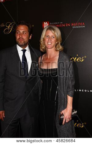 LOS ANGELES - MAY 21:  Rory Kennedy and husband Mark Bailey arrive at the 38th Annual Gracie Awards Gala at the Beverly Hilton Hotel on May 21, 2013 in Beverly Hills, CA