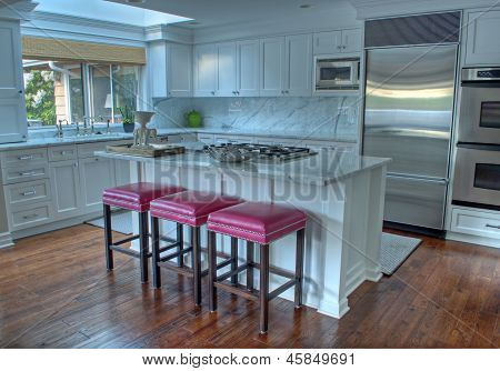 Beautiful White Modern Kitchen