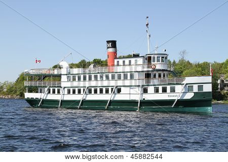 Wenonah II a replica of the  20th century steamships.