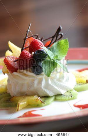 Dessert - Berry Meringue