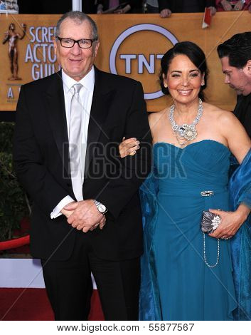 LOS ANGELES - JAN 27:  Ed O'Neill arrives to the SAG Awards 2013  on January 27, 2013 in Los Angeles, CA