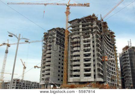 Building Palm Jumeira In Dubai