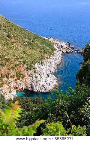White cliff along sicilian shore