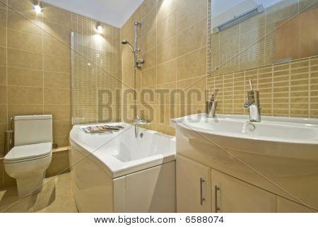 Contemporary En Suite Bathroom