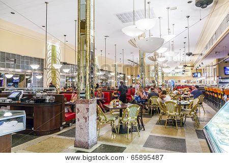 People Eat Inside The Famous Jerrys Deli