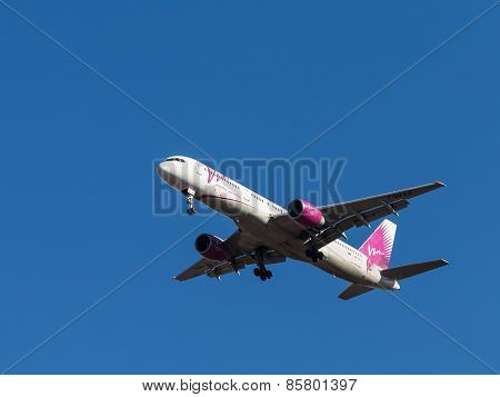 Passenger Aircraft Boeing 757-200