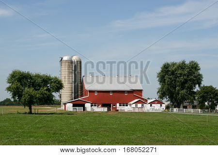 Amish farm and barn in Lancaster county, Pennsylvania