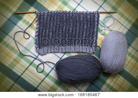 process of knitting yarn scarf gray two-tone English Brioche Stitch