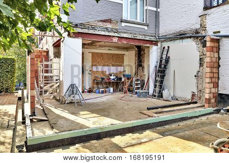 New Wall For A Modern Extension