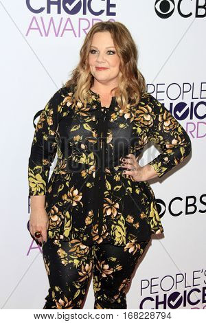 LOS ANGELES - JAN 18:  Melissa McCarthy at the People's Choice Awards 2017 at Microsoft Theater on January 18, 2017 in Los Angeles, CA