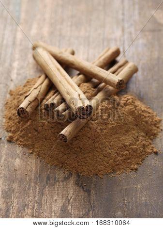 ceylon cinnamon sticks and powder