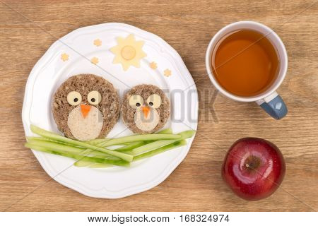 Funny sandwiches for kids in shape of birds