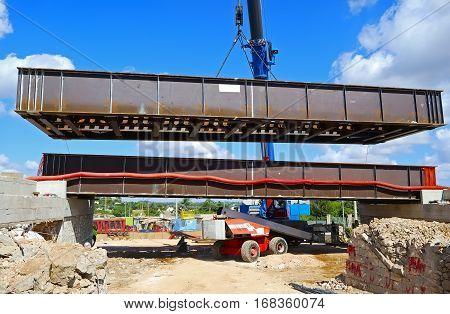 launch in COR-TEN steel bridge crane 200 t