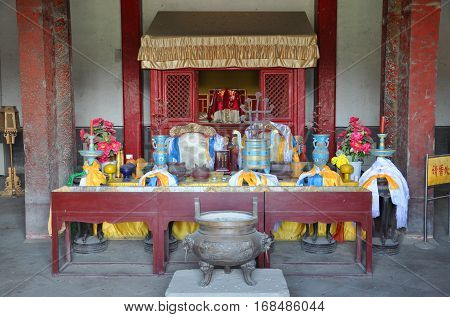 Altar inside Long'en Hall of Fuling Tomb of Qing Dynasty, Shenyang, China. Fuling Tomb is a UNESCO World Heritage Site since 2004. Fuling Tomb (East Tomb) is the mausoleum of Nurhaci.