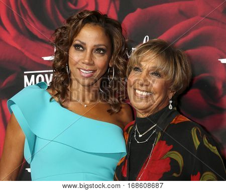 LOS ANGELES - JAN 14:  Holly Robinson Peete, Dolores Robinson at the Hallmark TCA Winter 2017 Party at Rose Parade Tournament House  on January 14, 2017 in Pasadena, CA