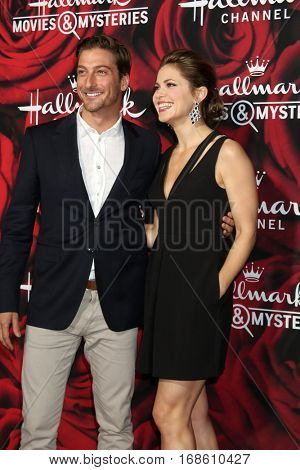 LOS ANGELES - JAN 14:  Daniel Lissing, Pascale Hutton at the Hallmark TCA Winter 2017 Party at Rose Parade Tournament House  on January 14, 2017 in Pasadena, CA
