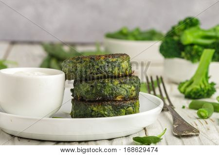 Green Pancakes With Broccoli, Zucchini, Green Beans, Asparagus And Spinach With The Yogurt Sauce And