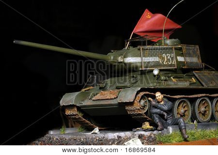 WWII scene Soviet soldier with tank - marking on tank is fictive - plastic kit 1:48 scale - homemade work