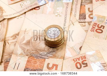 Brazilian money (bill and coins) background