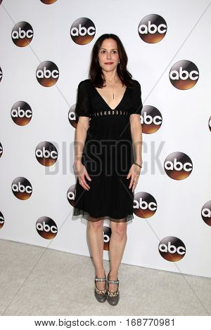 LOS ANGELES - JAN 10:  Mary Louise-Parker at the Disney/ABC TV TCA Winter 2017 Party at Langham Hotel on January 10, 2017 in Pasadena, CA