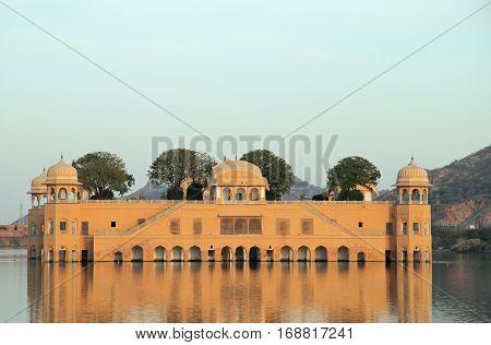 Palace Jal Mahal In Jaipur