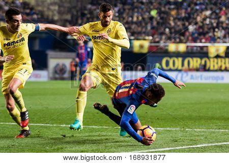 VILLARREAL, SPAIN - JANUARY 8: (C) Musacchio and (R) Neymar during La Liga soccer match between Villarreal CF and FC Barcelona at Estadio de la Ceramica on January 8, 2016 in Villarreal, Spain