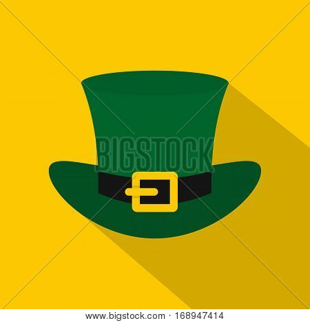 Green top hat with buckle icon. Flat illustration of green top hat with buckle vector icon for web   on yellow background