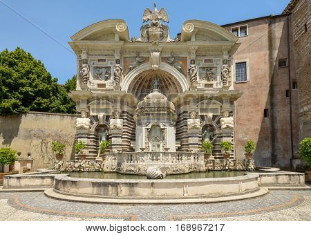 A very nice fountain in Tivoli Italy