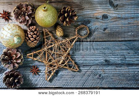 Christmas Decoration Toys, Star, Pine, Cone, Stick Of Cinnamon And Anise