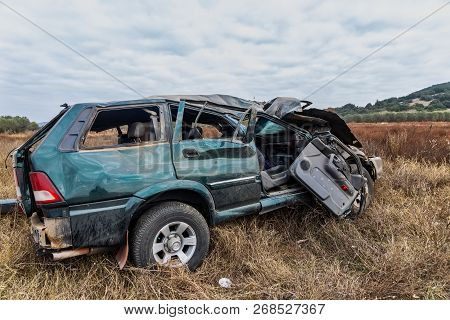 One Dead And Nine Injured Immigrants Are The Report Of The Traffic Accident That Occurred On A Bypas