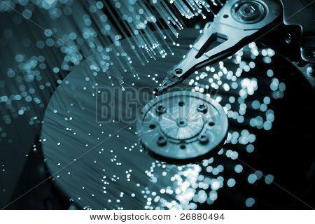 Optische Fasern und Computer-Festplatte