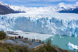 El Calafate, Argentina - Sep 29, 2018: Tourists Visiting Perito Moreno Glacier In The Los Glaciares