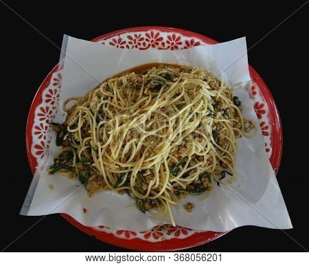 Spicy Stir Fried Spaghetti Or Spicy Stir-fried Spaghetti With Chopped Chicken And Holy Basil On Tray