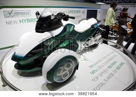 Can-am Spyder Hybrid Roadster