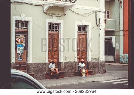 Mindelo/cape Verde - August 9, 2018 - Two Street Merchant Women In Sao Vicente