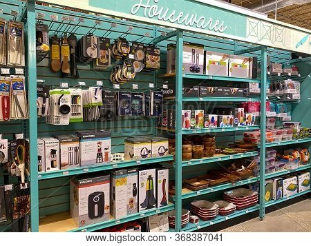 Orlando, Fl/usa-5/3/20: A Display Of Houseware Products At A Whole Foods Market Grocery Store.