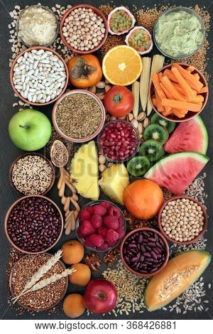 High fibre health food concept with super foods high in antioxidants, omega 3, vitamins & protein with low GI levels. Helps to lower blood pressure & cholesterol and optimise a healthy heart.