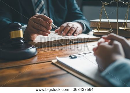 Lawyers Give Advice About Judgment, Agreements, Justice Customer