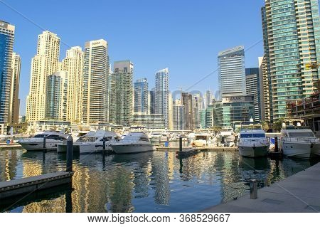 Dubai / Uae - November 7, 2019: Dubai Marina And Jbr Districts With Beautiful Skyscrapers And Yachts