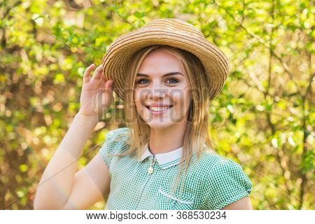 Romantic Daydreamer In Summer Hat. Rustic Soul. Straw Hat Adorable Girl. Rustic Outfit. Ranch Cultur