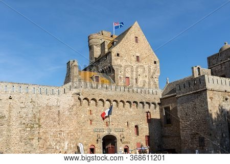 St Malo, France - September 15, 2018: The City Walls  Of St. Malo In Brittany, France