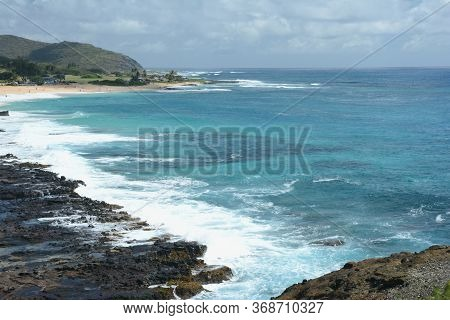 Scenic South Pacific Overlook At The Halona Blowhole Lookout, On The Windward/east Coast Of Oahu Isl
