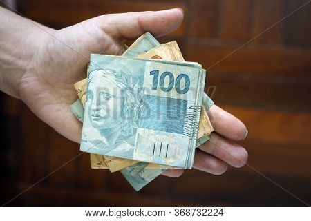 Hands Holding Brazilian Real Notes, Money From Brazil, Notes Of Real, Brazil Brl Banknote, Brazilian