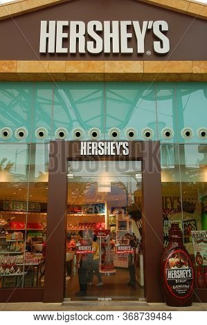 Sentosa, Sg - April 5 - Hersheys Chocolate World Facade On April 5, 2012 In Sentosa, Singapore.