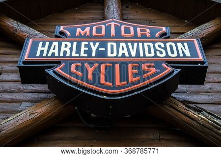 Mackinaw City, Michigan, Usa - May 30, 2020:  Close Up Of Motor Harley Davidson Cycles Logo. Harley