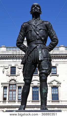 Jan Christian Smuts Statue In London