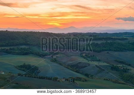 Tuscany, Italy - September 22, 2017: September Sunset In The Vicinity Of Montepulciano