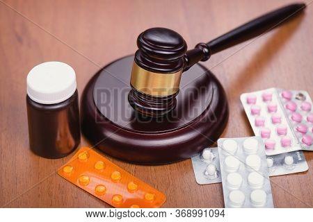 Forensic Medicine. Drug Fraud. Illicit Drug Trafficking. Medicine And Law. Trial On Medics.