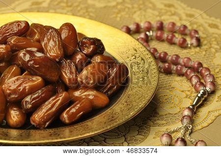 dates and Islamic rosary
