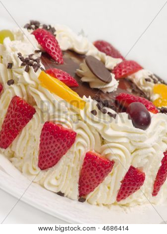 Delicious Cream Layer Cake With Strawberries